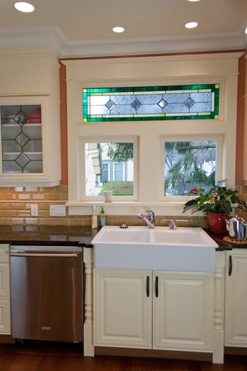 custom-cabinets-and-kitchen-farm-sink-victoria